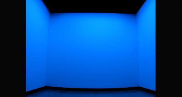 Hiromi Takizawa: Crossing the Pacific Ocean, Glass and Neon, 2009